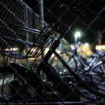 自転車置き場の夜